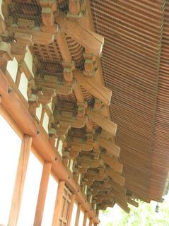 東寺講堂屋根下.jpg