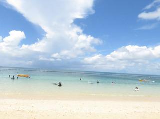沖縄のビーチ.jpg